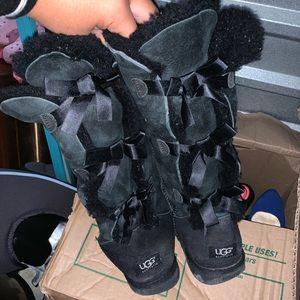 Black Bailey bows